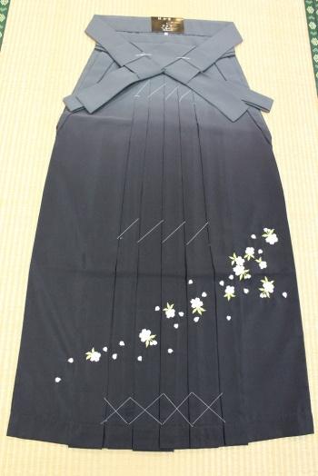 卒業式袴 刺繍2